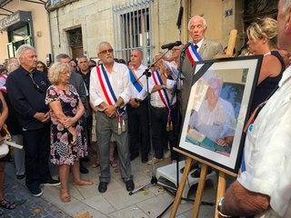 Les habitants de Signes rendent hommage à leur maire Jean Mathieu Michel.