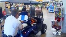 Un homme furieux roule dans un Walmart avec une voiturette de golf