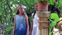 El idílico posado cultural de los reyes Felipe y Letizia y sus hijas para despedirse de Mallorca