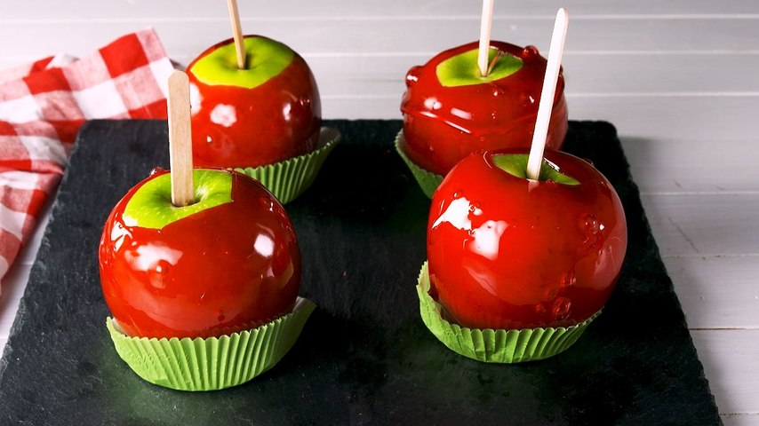 These Candy Apples Are A Must For Fall