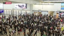Hong Kong : sit-in de manifestants à l'aéroport pour sensibiliser les visiteurs