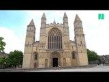 Une cathédrale anglaise installe un mini-golf pour attirer les fidèles