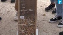Ils ramassent 10 000 mégots en une heure sur le Champs-de-Mars