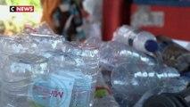 Indonésie : un ticket contre des plastiques pour monter à bord des bus de Surabaya