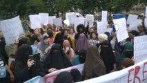 Islamistas y feministas en Holanda protestan contra la prohibición delburka