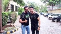 Desi Boys John and Akshay Kumar Met During Promotion of Mission Mangal & Batla House
