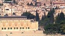 اشتباكات بين الشرطة الإسرائيلية والمصلين في باحة المسجد الأقصى في أول أيام عيد الأضحى