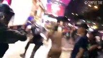 Khu vực Mong Kok ( Vượng Giác ), quận Yau Tsim Mong ( Du Tiêm Vượng ), Hong Kong ~21h ngày 10/08/2019 (GMT+8): Diễn biến cảnh sát bắt giữ một nữ tiếp viên Cathay Pacific ( xin nghỉ phép để biểu tình hôm 05/08, nghi bị chỉ điểm ) trên đường Nathan...