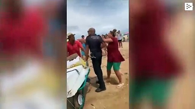 A local police gets stabbed in Punta Umbría in an operation against street sales