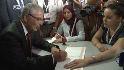 تونس: حوالي مئة مرشح يسجلون أنفسهم في الانتخابات الرئاسية المبكرة