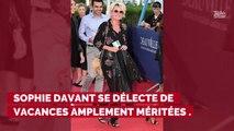 """PHOTO. Sophie Davant en mode """"sauvage"""" sans maquillage pendant ses vacances en Bretagne"""