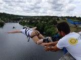 France Bleu Poitou saute à l'élastique à L'Isle-Jourdain