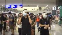 Continua el caos en el aeropuerto de Hong Kong