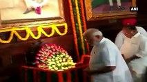 PM Modi, Leaders Pays Tribute To Mahatma Gandhi And Lal Bahadur Shastri