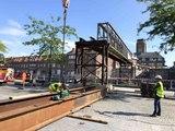 Démontage de la passerelle du pont à Ponts