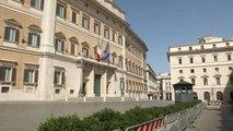 Crise politique en Italie : les sénateurs privés de vacances