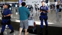 """Hong Kong : retour au calme à l'aéroport, Pékin dénonce des agressions """"quasi-terroristes"""""""