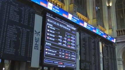 El Ibex 35 pierde un 0,94 % tras la apertura y se coloca en 8.613 puntos