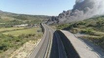 Une autoroute qui relie la Bulgarie à la Grèce coupée en raison d'un gigantesque feu de forêt