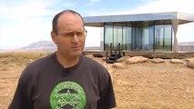 Ya se puede vivir en el desierto con una casa de vidrio sostenible
