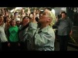 Christina Aguilera pousse la chansonnette incognito dans le métro new-yorkais