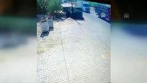 Manisa'da tır, kamyona arkadan çarptı: 1 yaralı