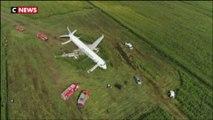 Un avion atterrit en urgence dans un champ de maïs en Russie