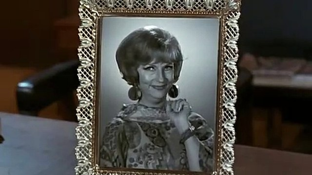 BW 4.13 Funny - Endora Picture Frame Part 2