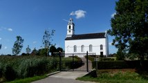 Witte Kerkje van Simonshaven is na renovatie weer mooi wit  / 2019