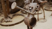 Au Sénégal, des vélos mis au rebut recyclés en œuvres d'art