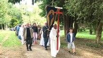 Au cœur de la procession mariale du 15 août au sanctuaire de Pontmain
