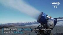 El cambio climático derrite la nieve de los esquiadores de Santiago
