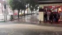 Sağanak ve fırtına Bursa'yı da vurdu...Kadınlar yağmurdan böyle korundu