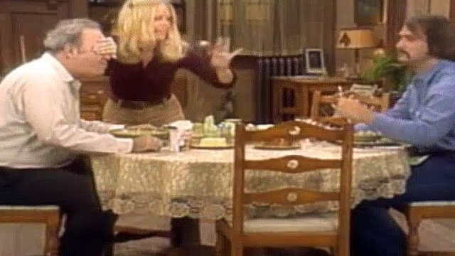 All In The Family Season 3 Episode 11 The Locket