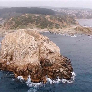 Peñablanca island and Punta de Peñablanca at Algarrobo, Chile