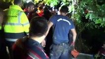 Baraja uçan otomobildeki 4 kişinin cansız bedeni çıkartıldı