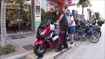 unboxing the SYM CRYISYM 300cc RED AMAZING COLOUR!!