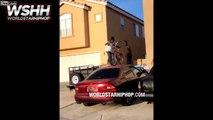 Cette fillette se lance en vélo du haut d'une voiture !