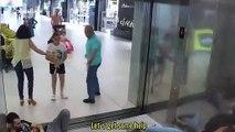 Blague : tout le monde tombe dans l'ascenseur d'un coup !