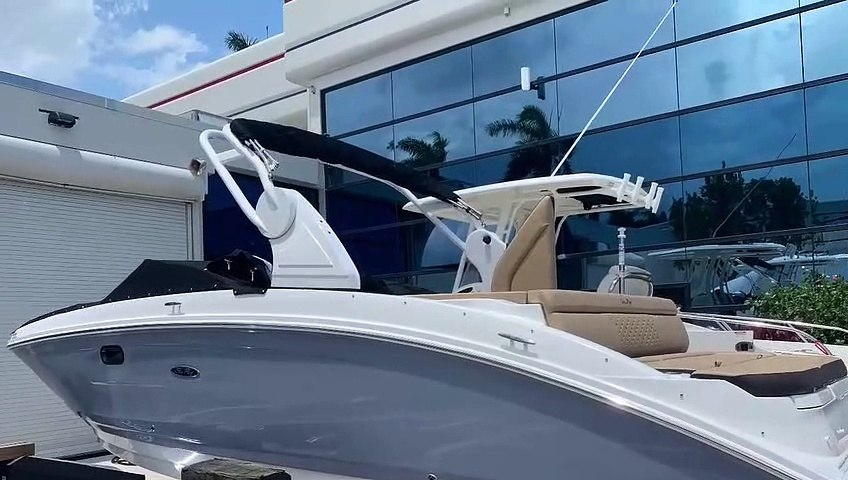 2020 Sea Ray 270 SDX OB for sale at MarineMax Pompano Beach