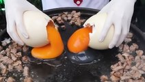 This Turkish chef uses ostrich eggs to create giant dishes