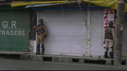 Kashmiris caught in India-Pakistan trade blockage