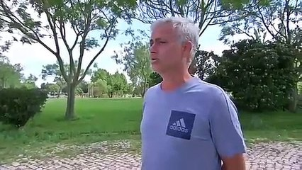 José Mourinho en larmes au moment d'évoquer que le football lui manque