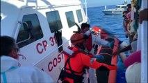 27 migrants mineurs de l'Open Arms ont débarqué à Lampedusa, alors que 107 personnes sont toujours à bord