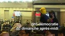 Hong Kong: la manifestation pro-démocratie se poursuit la nuit