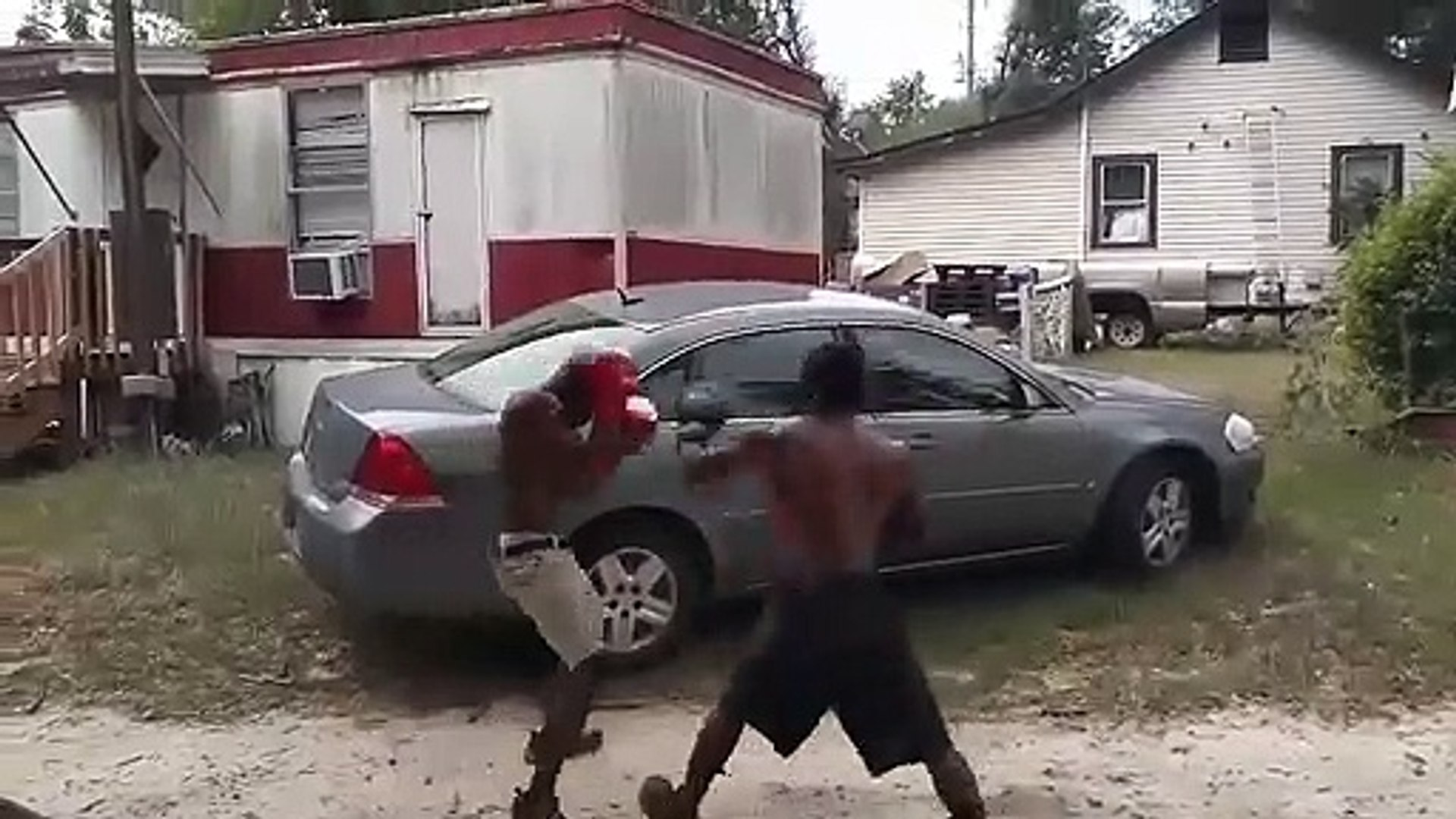 Blood vs crip street fighting