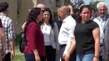 VAN HDP'liler belediyeye girmeye çalıştı