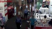 Para bozdurma bahanesiyle yaşlı adamın 7 bin lirasını çalan şüpheliler kamerada