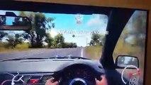 Jeu vidéo de voiture dans une vraie voiture dans sa chambre !