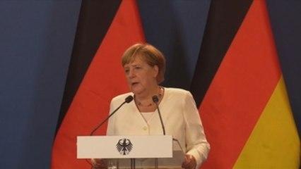 Merkel alaba la valentía de los húngaros que abrieron la frontera en 1989